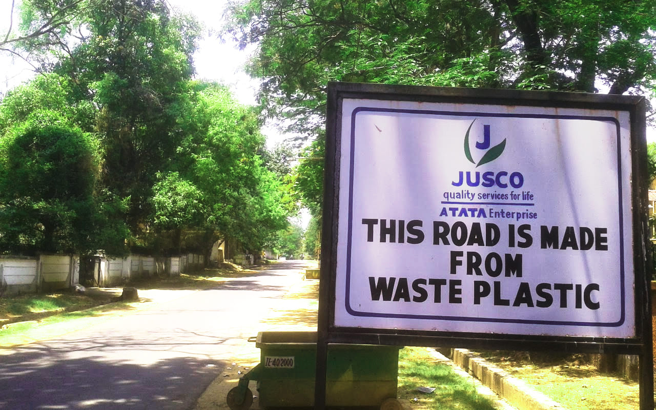 use of plastic waste on road